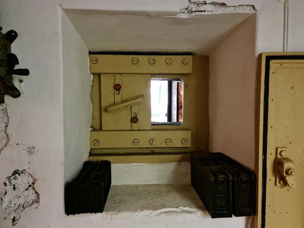 Luik in bunker