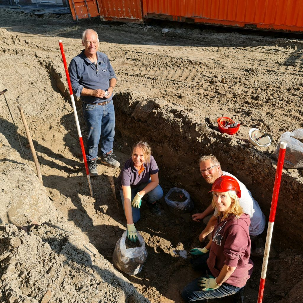 Archeologen tijdens opgraving Molenbuurt